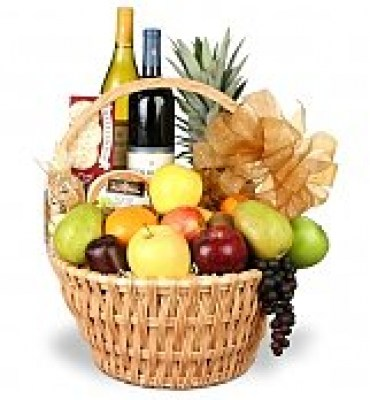3447d_Grand-Celebrations-Fruit-and-Wine-Basket