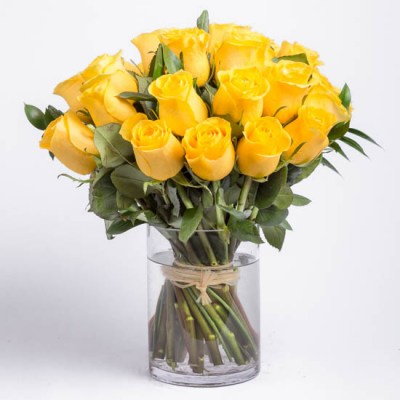 roses-yellow-rose-bouquet-ode-a-la-rose-550x550-25869
